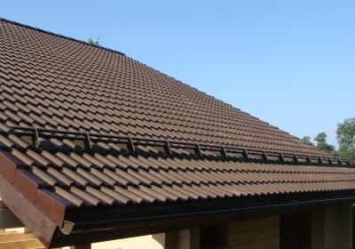 Заказать монтаж снегозадержателей на крышу в Московской области и подмосковье